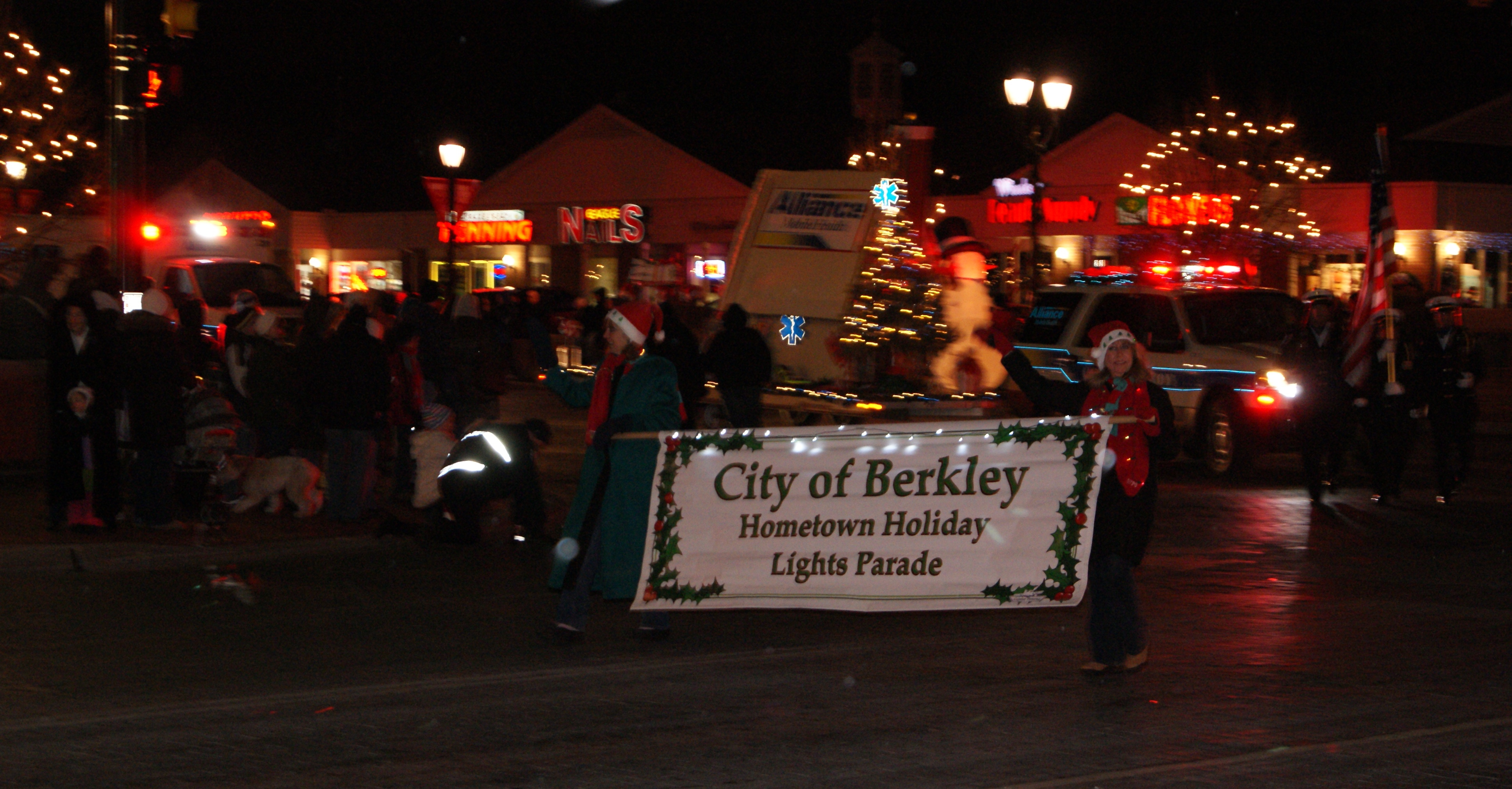 the chamber door the 2011 city of berkley holiday lights parade will take place on saturday 3rd a committee of volunteers is diligently working to bring this
